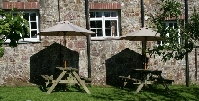 Picnic table Spring Cottage - a pet free holiday cottage at Rosemoor, Pembrokeshire, South West Wales