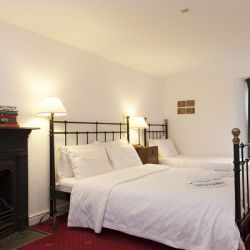 Holly Tree - a pet friendly holiday cottage at Rosemoor in Pembrokeshire, South West Wales (3)