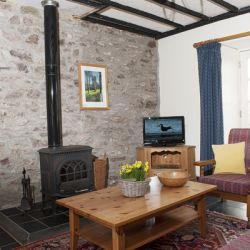The Coach House - a pet friendly holiday cottage at Rosemoor in Pembrokeshire, South West Wales (2)