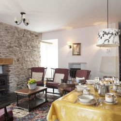 Apple Cottage - a pet friendly holiday cottage at Rosemoor in Pembrokeshire, South West Wales (4)